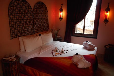A NIGHT IN AN AUTHENTIC RIAD - Marrakech - Guesthouse