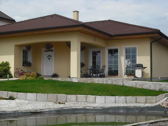 Dům s výhledem na Mělník - Mělník