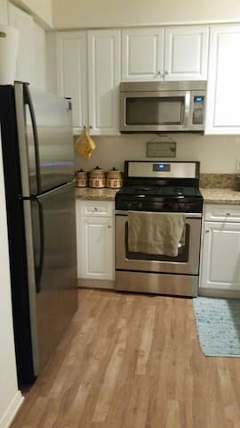 Fully furnished studio - Newport Beach - Apartment