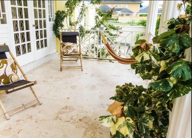 Paradise Kingston Style