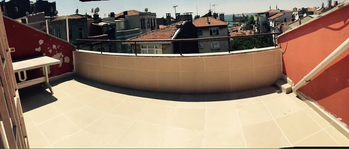 Big room kadikoy terrace views