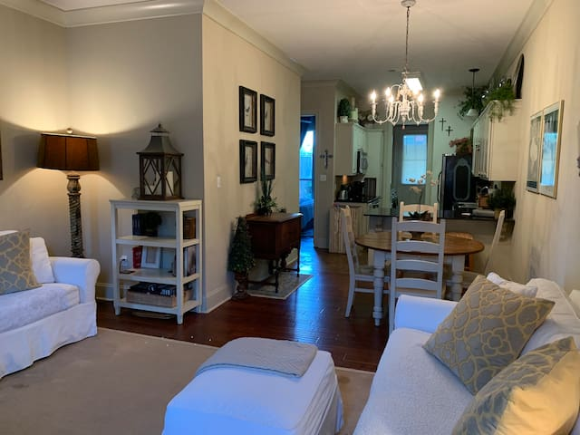 New Orleans style Condo (3 Bedroom)