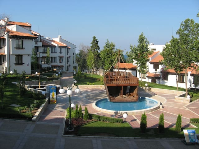 Apartment in Oasis Resort & Spa - Lozenets - Apartment