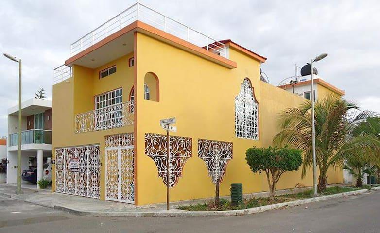 Amplia y bien iluminada habitación para dos - Mérida - Haus