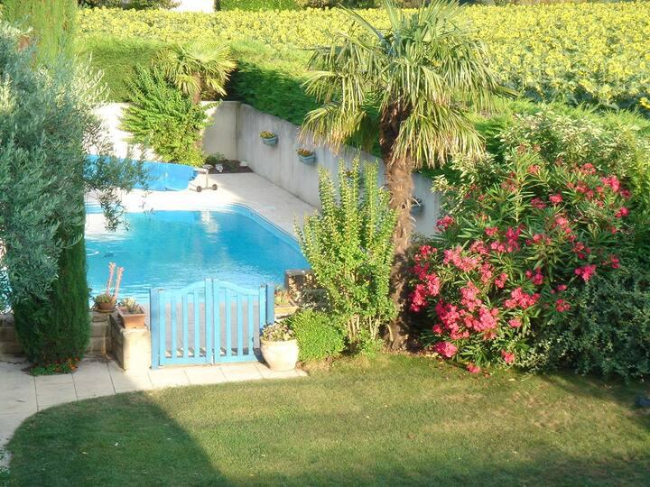 Superbe villa avec grande piscine dans la Drôme
