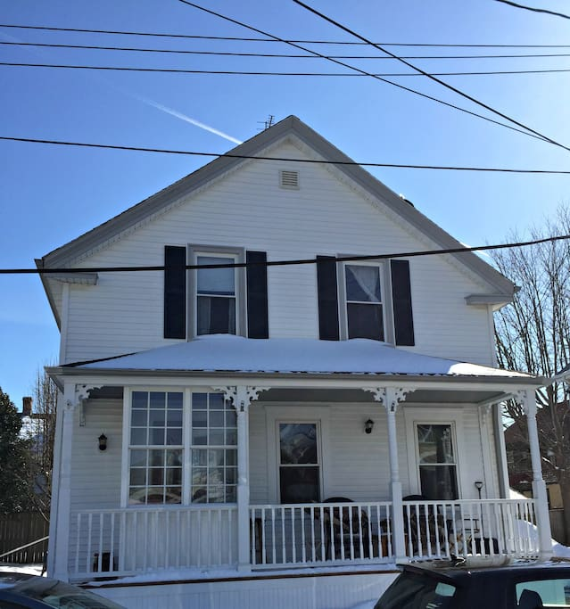 Walk to everything houses for rent in newport rhode for Rhode island bath house