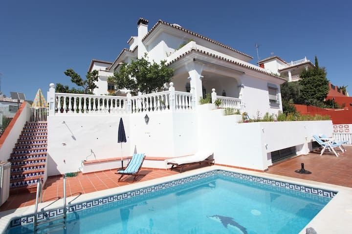 Marbella center, Great Views, Salty Pool - Marbella - House