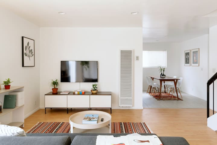 Spaciously Curated Apartment in DTLA