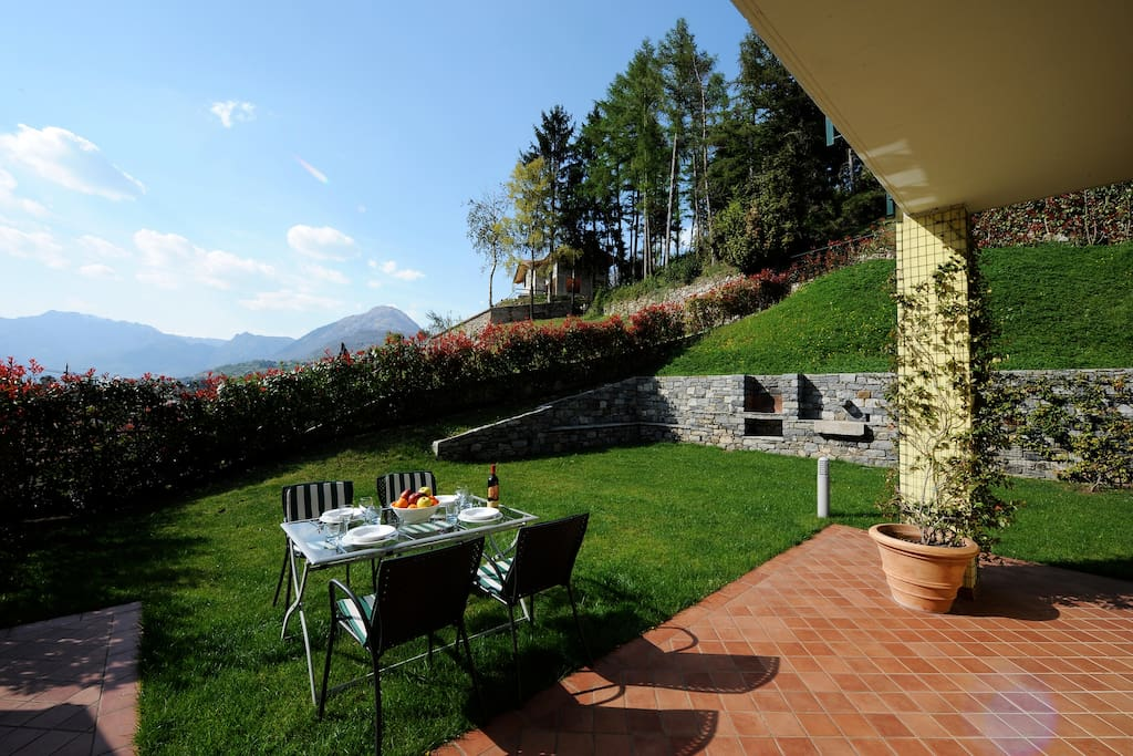 Gorgeous Private Terrace and Garden!