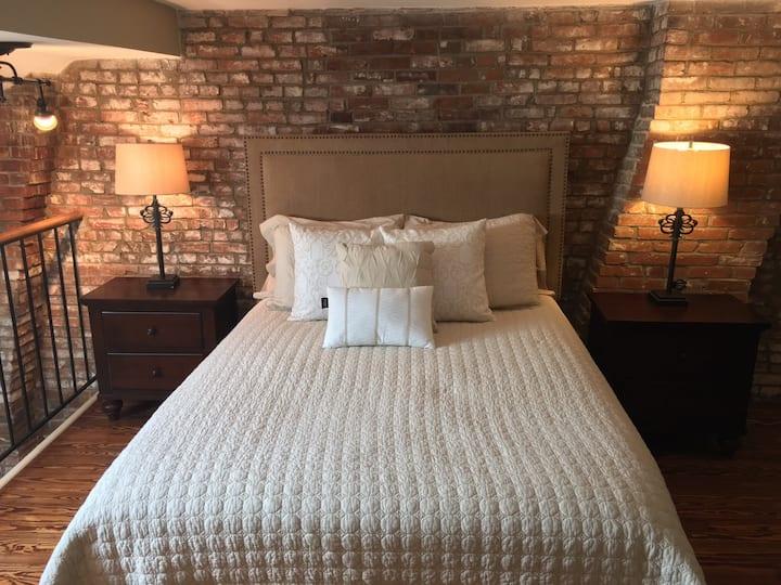 Soulard Luxury-Provence Loft Suite