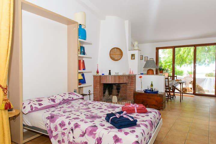 Panoramica, immersa nel verde in piccolo borgo - Roccaforzata, TA - Apartamento