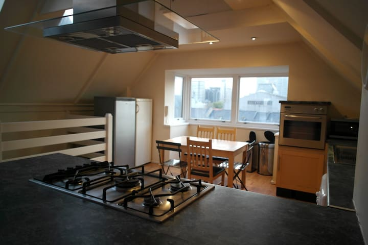 Bedroom in Canary Wharf, London  - London - House