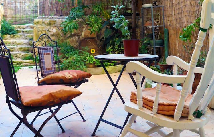 Comfortable Private Garden Room