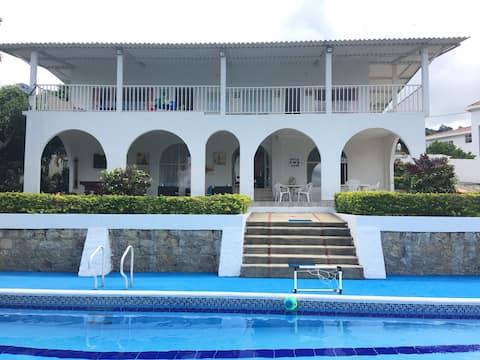 Casa de campo Mesitas  del Colegio.