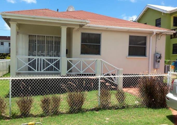 Heywoods Pk - St. Peter - Barbados - Douglas