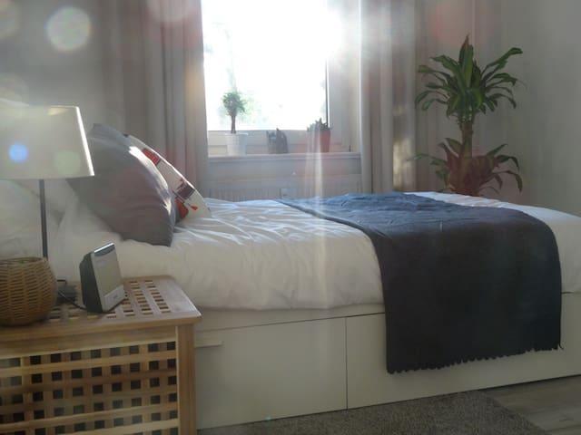 Altbau Zimmer in Eimsbüttel