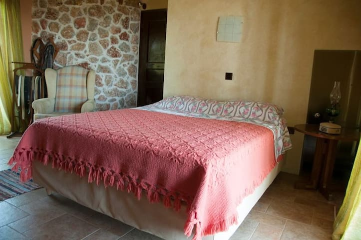 TRADITIONAL FURNISHED APPARTMENT - FAROS AVLIDAS - Apartamento