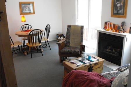 Alpen Chalet, Too!  --Condo suite - Leavenworth - Bed & Breakfast