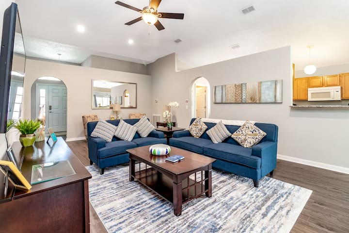 Exquisite and affordable DISNEY villa w/pool!!!!