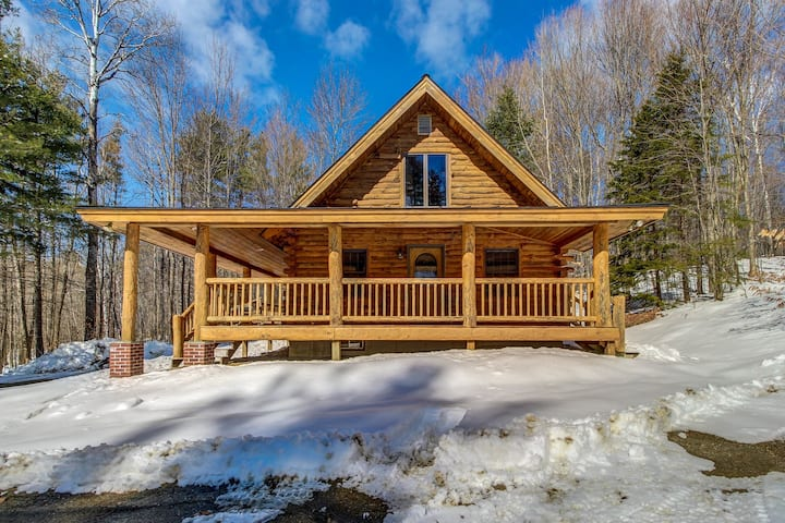 Log Home Perfect For a Family Getaway - Five Miles to Okemo Mtn. Resort!