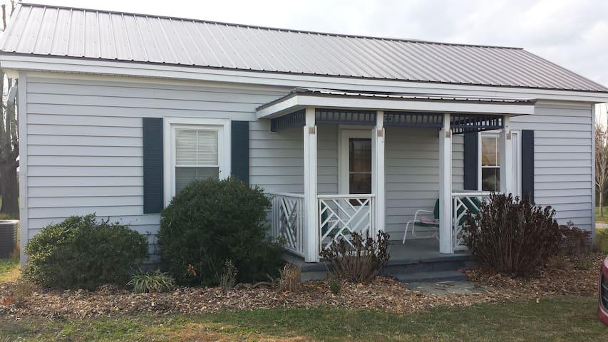 The Cottage at Evergreen Lavender Farm - Appomattox - Bungalou