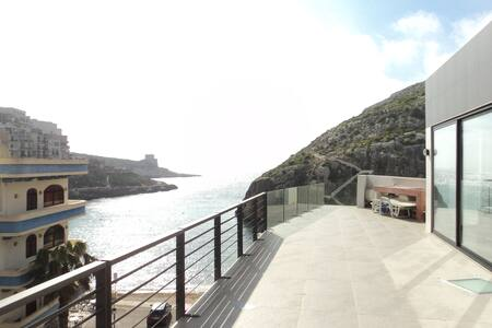 Duplex Penthouse with 60m² terrace - Xlendi