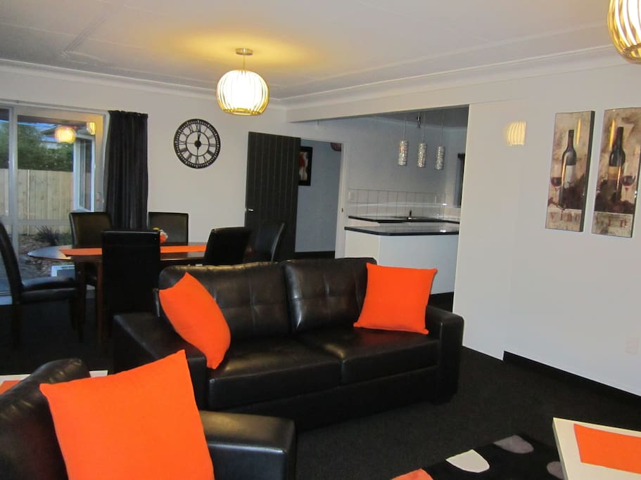 Open plan luxury lounge/dining
