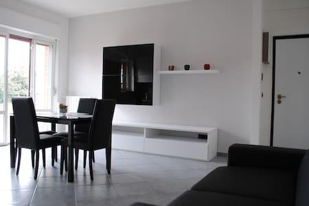LUMINOSO BILOCALE  - VICINO MILANO - Millepini - Apartmen