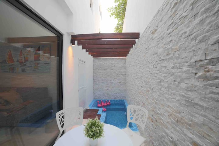 Best location 1 bedroom  PDC private plunge pool