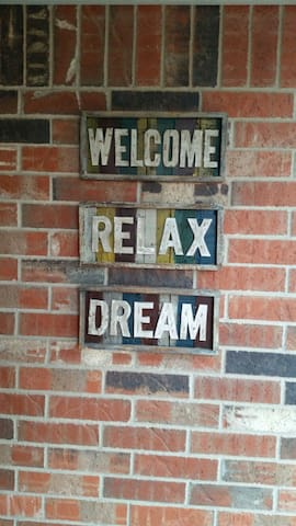 Welcome, Relax, Dream - Edmond