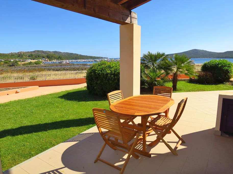Terrasse mit Meerblick / Terrace with view to the sea / Terrazza con vista mare