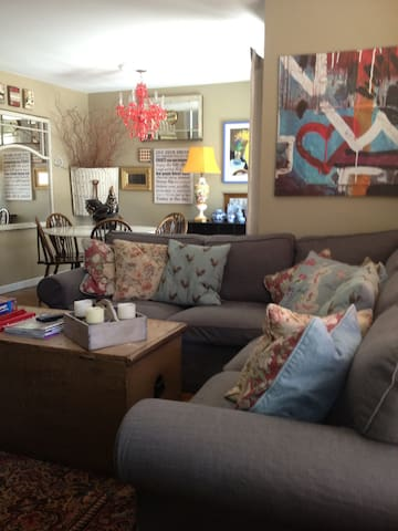 Charming Country room with continental breakfast