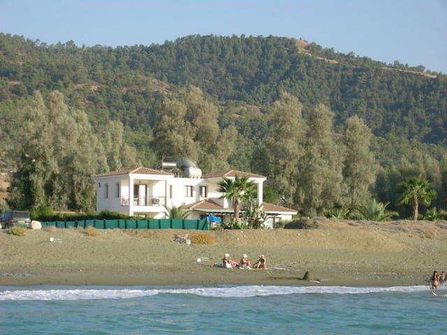 Beach Villa Anthi - Argaka Paphos - วิลล่า