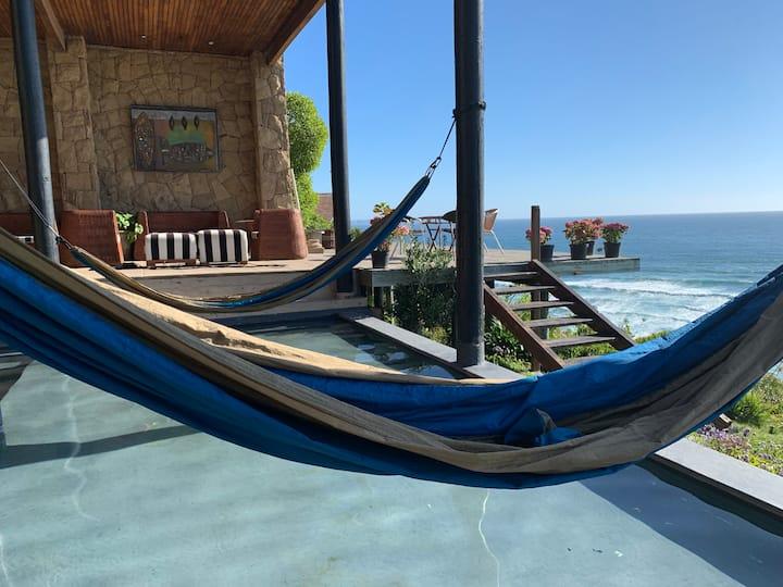 Espectacular Casa Frente a la Playa en Beranda