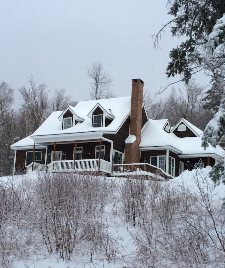 Beautiful Mt Snow House 4 bed Cape