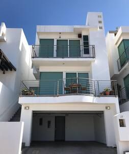 Casa Teresa en la Costa de Baja California