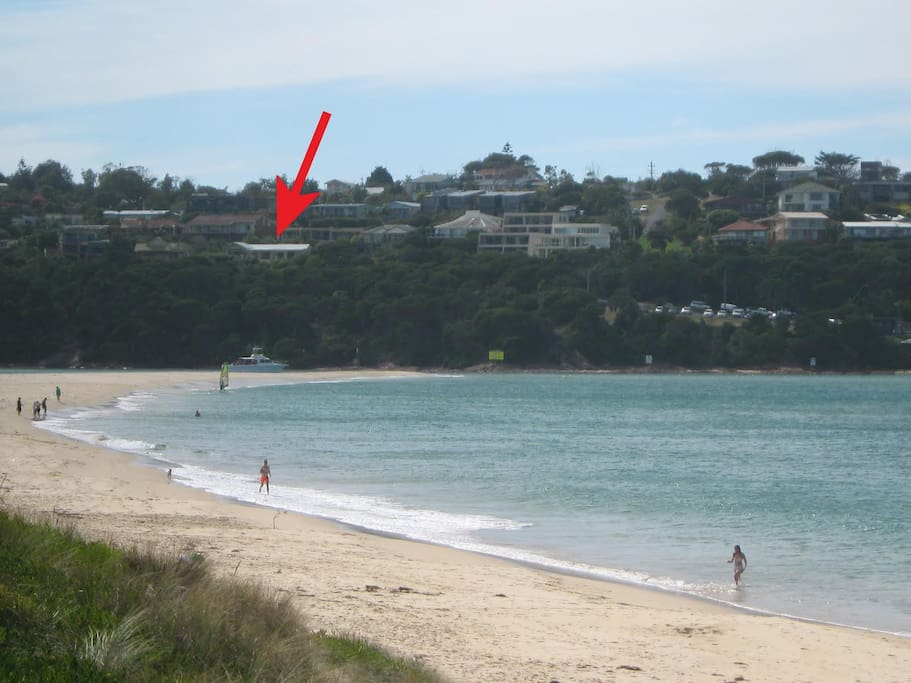 A very flat surf day with the position of the house shown.
