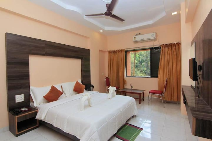 Group Lonavala Rooms