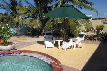 Sunny Apartment with swimming pool - Paradera