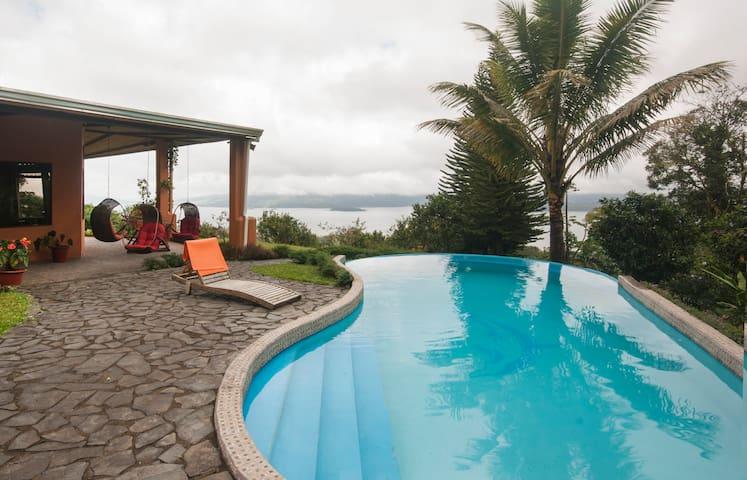 Oropendola House,  Amazing views & Free Breakfast! - El Castillo - Casa