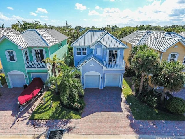 Key West Style 4 Bedroom Pool Home w/Office - Hobe Sound - Rumah