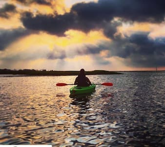 Art Studio, Paddle to Masonboro Island.