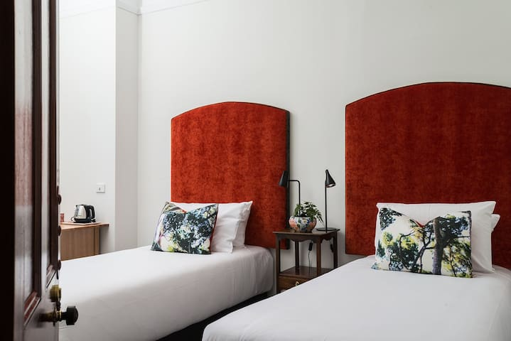 The Florance. Persimmon  Twin King Single Suite