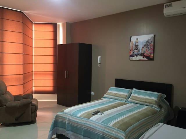 4 Habitaciones con baño privado - Machala, El Oro, EC - Lejlighed