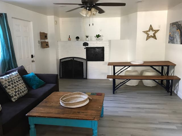 Beautiful Private 2BD Cottage