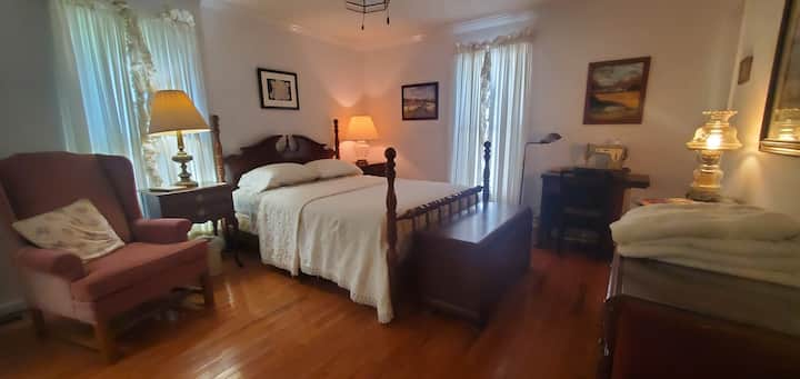 Guest Room in Paradise (Gardenia)