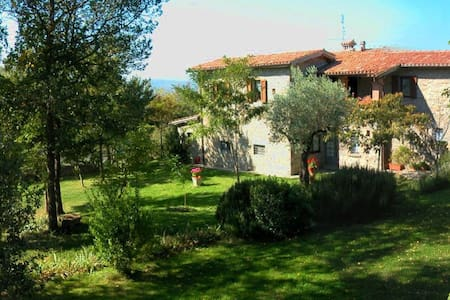 Studio aptm & pool - Gubbio - Penzion (B&B)