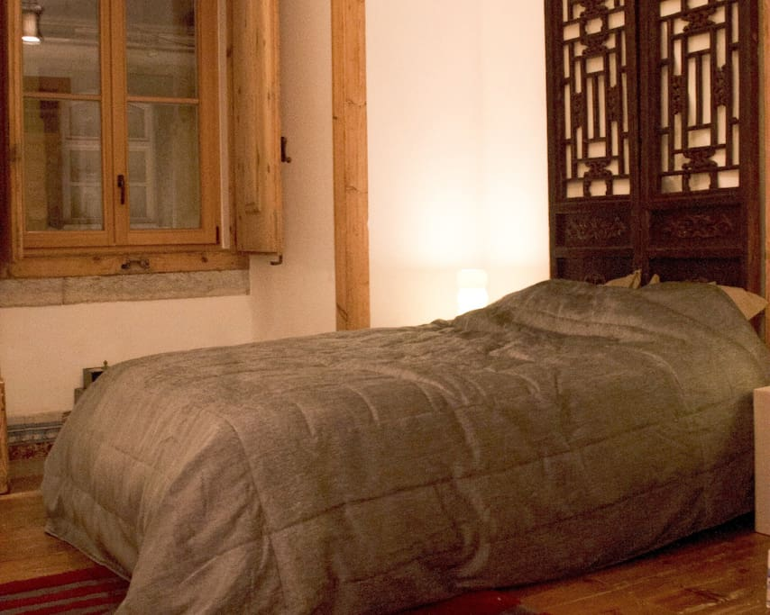 Room 1 : Double bed (150)
