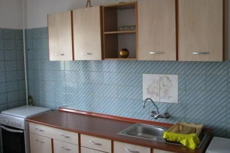 furnished and equipped 2 bdr apt - Ploiești