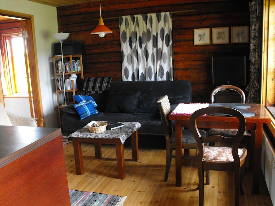 Wohnzimmer mit Küchenblock